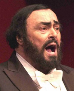 Pavarotti_operatic_tenor_white_bow_tie